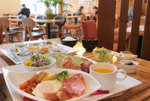◆角部屋ダブルルーム シングルユース 1名利用 【こだわりの和洋食ブッフェ朝食付】