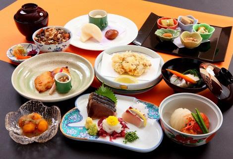夕食はホテル12階椿山荘でゆったり   夕食和会席&朝食付きプラン♪