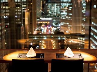 【限定ディナー付き】女子会/記念日ディナーにおすすめ!ホテル最上階から煌めく夜景を堪能《2食付》