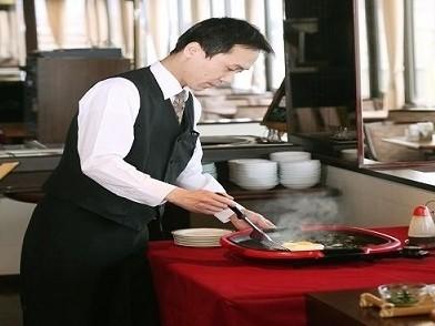 【訳あり】【直前割】低層階&レストラン下フロア/☆エコノミーシングル<種類豊富な和洋バイキング朝食付>