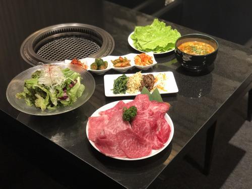 『俺の焼肉 銀座4丁目』特別コース 1ドリンク付きプラン(17:00~)«夕朝食付»