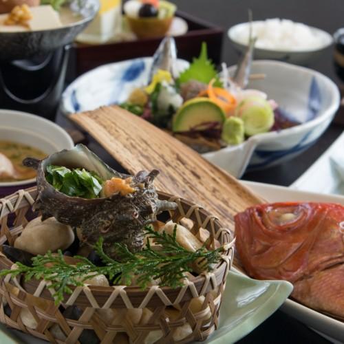 【直前割】和モダンフロア粋-sui-■金目鯛姿煮&サザエ&静岡美味鶏の豆乳鍋