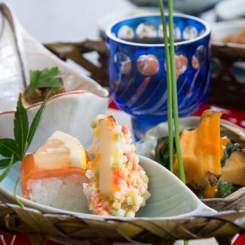 【河津桜を楽しもう】早春の伊豆は花いっぱい!金目鯛の夕食と源泉かけ流しの温泉を満喫