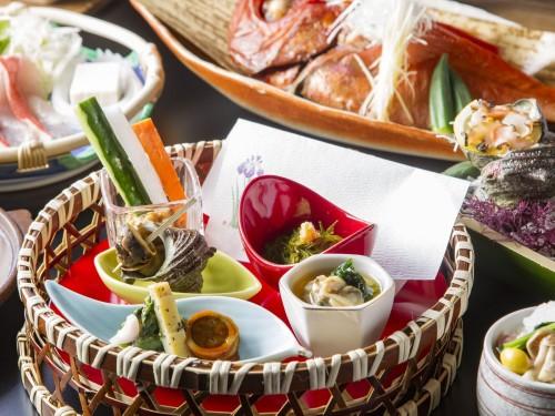 【直前割】和モダンフロア粋-sui-■金目鯛姿煮&サザエ&静岡美味鶏の夕食