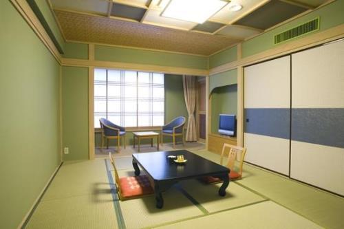 【春の学割プラン】1室3名以上で1泊2食付8500円~!卒業旅行にもおすすめ!全室Wi-Fiあり