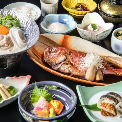 イルカと触れ合える 下田海中水族館入園券付 ■金目鯛姿煮の夕食&和洋バイキングの朝食