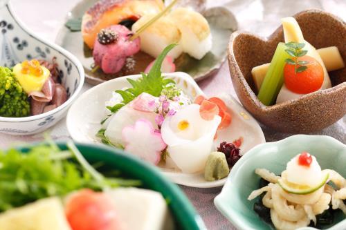 【小鉢遊膳】~夕朝食付き~ちょっとずついろいろがうれしい♪ ~9月30日まで