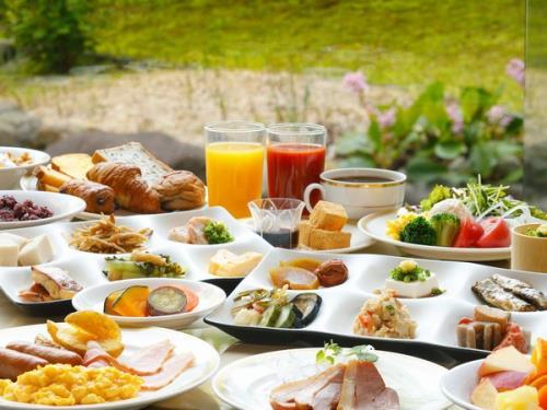 【藤田美術館展 宿泊プラン】~夕朝食付き~『新緑会席』