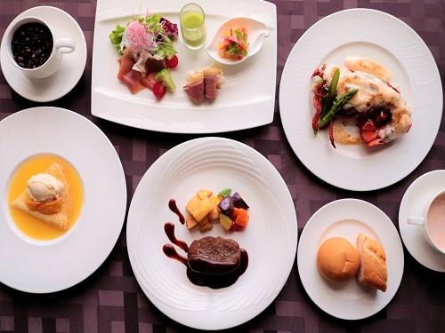 【GoToトラベル割引対象】人気の洋食コースで大満足 1泊2食付 12時チェックアウトプラン 全室独立型バスルーム付 Wi-Fi無料